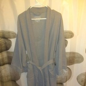 6d4d3a336b Covington bathrobe